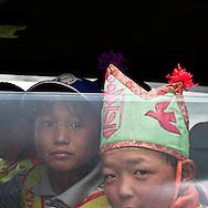 Mongolia. a young boy is getting ready and dressed for the naadam of Khurjit. Nara family. catle breeders in Orkhon valley    Hahorin   / un jeune garcon se prepare a la course du naadam de Khurjit .  la famille NARA ,  eleveurs  de la vallÈe de líOrkhon/  Karakorum  Mongolie / L0009357