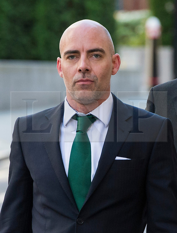 © Licensed to London News Pictures. 10/06/2015. London, UK. News of the World and Sunday Mirror reporter  DAN EVANS arriving at The Old Bailey in London on June 10, 2015, where Neil Wallis is charged with intercepting voicemails while working for the newspaper between January 2003 and January 2007 Photo credit: Ben Cawthra/LNP