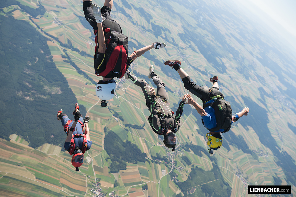 A skydiving boogie in the idyllic Waldviertel (forest district) of Austria with the Pink Skyvan.