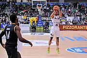 DESCRIZIONE : Trento Lega A 2015-16 Dolomiti Energia Trentino - Pasta Reggia Caserta<br /> GIOCATORE : Trent Lockett<br /> CATEGORIA : Tiro Tre Punti Three Point<br /> SQUADRA : Dolomiti Energia Trentino - Pasta Reggia Caserta<br /> EVENTO : Campionato Lega A 2015-2016 <br /> GARA : Dolomiti Energia Trentino - Pasta Reggia Caserta<br /> DATA : 03/01/2016<br /> SPORT : Pallacanestro <br /> AUTORE : Agenzia Ciamillo-Castoria/M.Gregolin<br /> Galleria : Lega Basket A 2015-2016  <br /> Fotonotizia :  Trento Lega A 2015-16 Dolomiti Energia Trentino - Pasta Reggia Caserta