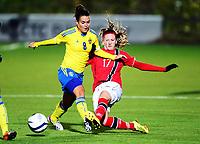 Fotball , 30. oktober 2013 , Privat kamp kvinner U23 , Norge- Sverige 1-0<br /> U23 Norway - Sweden<br /> Emilia Appelqvist , Sverige<br /> Andrea Thun , Norge