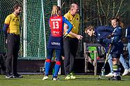 BILTHOVEN -  Hoofdklasse competitiewedstrijd dames, SCHC v hdm, seizoen 2020-2021.<br /> Foto: Toss met Caia van Maasakker (SCHC, captain) en Mila Muyselaar (hdm, captain)
