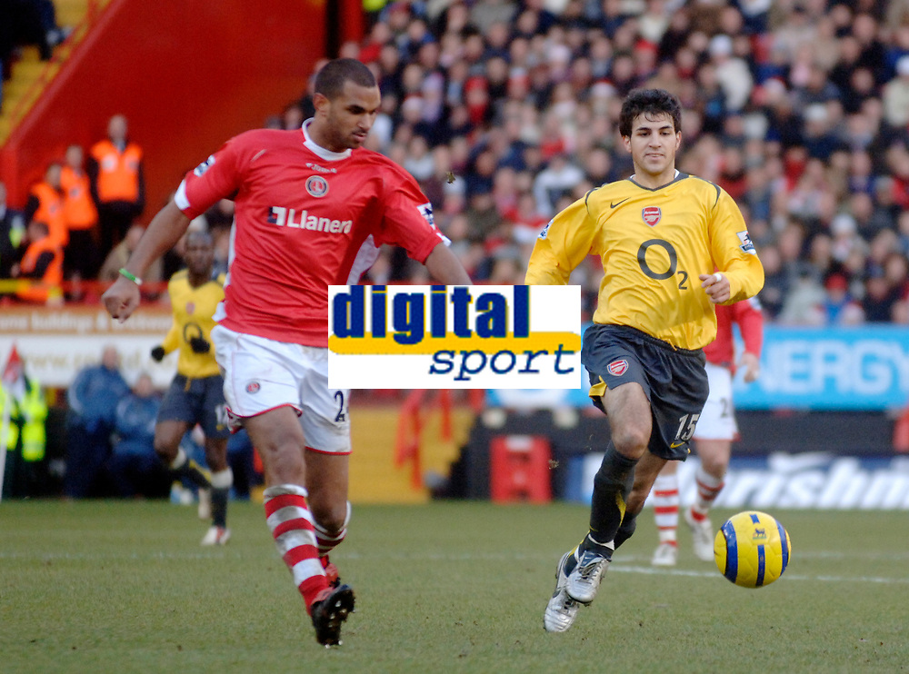Photo: Glyn Thomas.<br />Charlton Athletic v Arsenal. The Barclays Premiership.<br />26/12/2005.<br /> Charlton's Jonathan Fortune (L) and Arsenal's Francesc Fabregas.