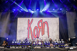 © Licensed to London News Pictures. 26/08/2017. Reading Festival 2017, Reading, UK. Korn perform on the main stage. Jonathan Davis, James Shaffer, Reginald Arvizu, Brian Welch and Ray Luzier  pictured  Photo credit: Andy Sturmey/LNP