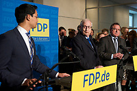 DEU, Deutschland, Germany, Berlin, 23.09.2013:<br />Bundeswirtschaftsminister und FDP-Vorsitzender Philipp Rösler (L) und der FDP-Fraktionsvorsitzende Rainer Brüderle (R) bei einer Pressekonferenz im Deutschen Bundestag. Die FDP ist am Vorabend bei der Bundestagswahl an der 5-Prozent-Hürde gescheitert und wird im neuen Bundestag nicht mehr vertreten sein.