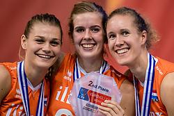01-10-2017 AZE: Final CEV European Volleyball Nederland - Servie, Baku<br /> Nederland verliest opnieuw de finale op een EK. Servië was met 3-1 te sterk / Nika Daalderop #19 of Netherlands, Tessa Polder #20 of Netherlands, Nicole Koolhaas #22 of Netherlands
