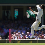 Mohammad Asif bowling during the Australia V Pakistan 2nd Cricket Test match at the Sydney Cricket Ground, Sydney, Australia, 5 January 2010. Photo Tim Clayton