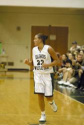 18 December 2004..Titan Heidi Harnisch..Illinois Wesleyan University Titans V Webster University Gorlocks.  NCAA Division III Women's Basketball.  Shirk Center, Illinois Wesleyan University, Bloomington IL