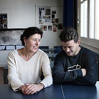 Nederland, Amsterdam , 14 november 2012..Acteur Geza Weisz en zijn voormalige favouriete lerares Juliette van het Barlaeus gymnasium. Foto:Jean-Pierre Jans