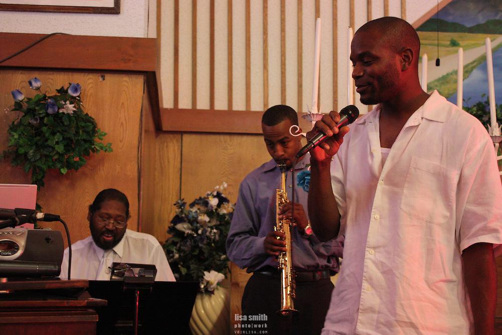 Dallas band playing at a wedding