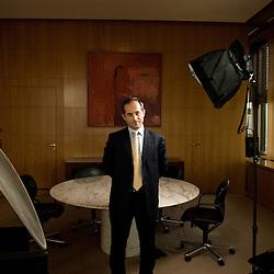 Societe Generale's new CEO Frederic Oudea in his office at Paris - La Defense / 2008, june 18th / credit : Antoine Doyen