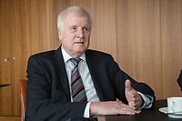 20 JUN 2018, BERLIN/GERMANY:<br /> Horst Seehofer, CSU, Bundesinnenminister, waehrend einem Interview, in seinem Buero, Bundesministerium des Inneren<br /> IMAGE: 20180620-02-010<br /> KEYWORDS: Büro
