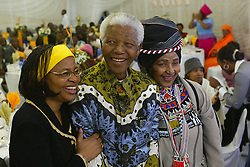 18/07/04 Qunu<br /> Nelson Mandela celebrateas his 86th birthday with his wife Graca Machel and his ex wife Winnie Madikizela Mandela. The party was thrown by Mandela\'s grandchildren. The family was re-united after Winnie was enstranged from Nelson Mandela for many years. Picture: African News Agency(ANA)
