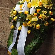 Dodenherdenking 2004 Baarn, Prins Bernhard en Maurits, bloemenkrans
