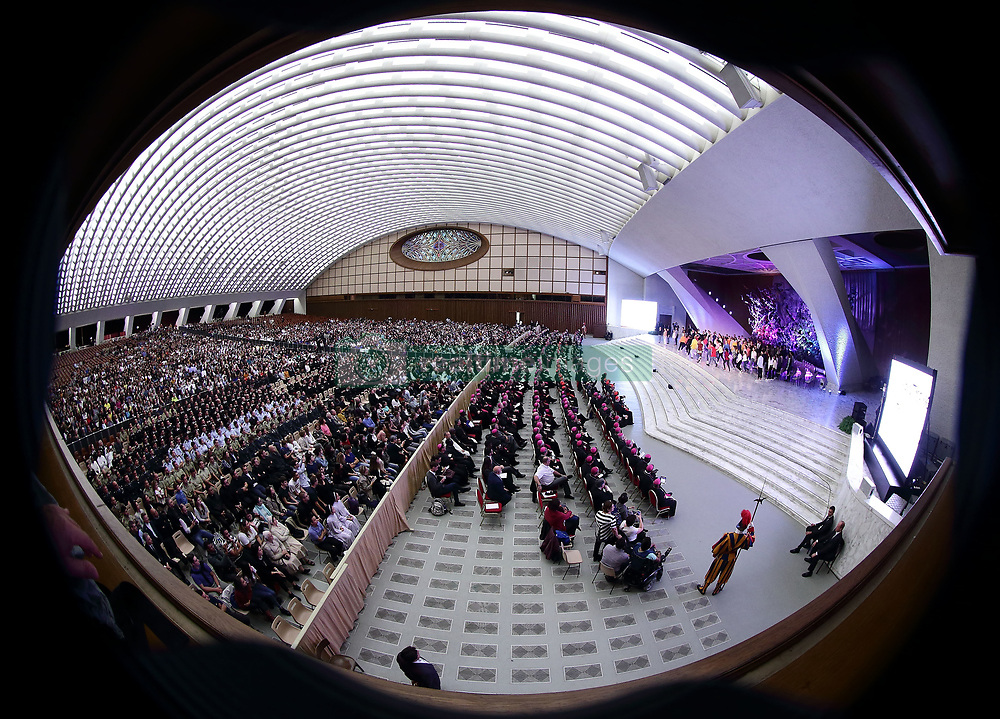 October 6,  2018  - Vatican City (Holy See)  Youth meeting with POPE FRANCIS and the Synodal Father in the Aula Paolo VI  at the Vatican  (Credit Image: © Evandro Inetti/ZUMA Wire)