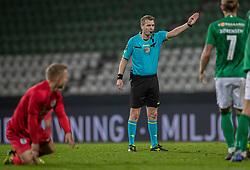 Dommer Chris Johansen under kampen i 1. Division mellem Viborg FF og FC Helsingør den 30. oktober 2020 på Energi Viborg Arena (Foto: Claus Birch).