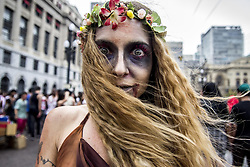 November 2, 2018 - Sao Paulo, Brazil - People take part in the annual Zombie Walk in Sao Paulo. People dress and use make-up to make themselves look like zombies and other characters from horror movies. (Credit Image: © Cris Faga/ZUMA Wire)