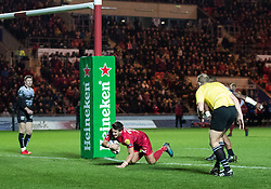 Scarlets' Dan Jones scores his sides third try<br /> <br /> Photographer Simon King/Replay Images<br /> <br /> European Rugby Champions Cup Round 6 - Scarlets v Toulon - Saturday 20th January 2018 - Parc Y Scarlets - Llanelli<br /> <br /> World Copyright © Replay Images . All rights reserved. info@replayimages.co.uk - http://replayimages.co.uk