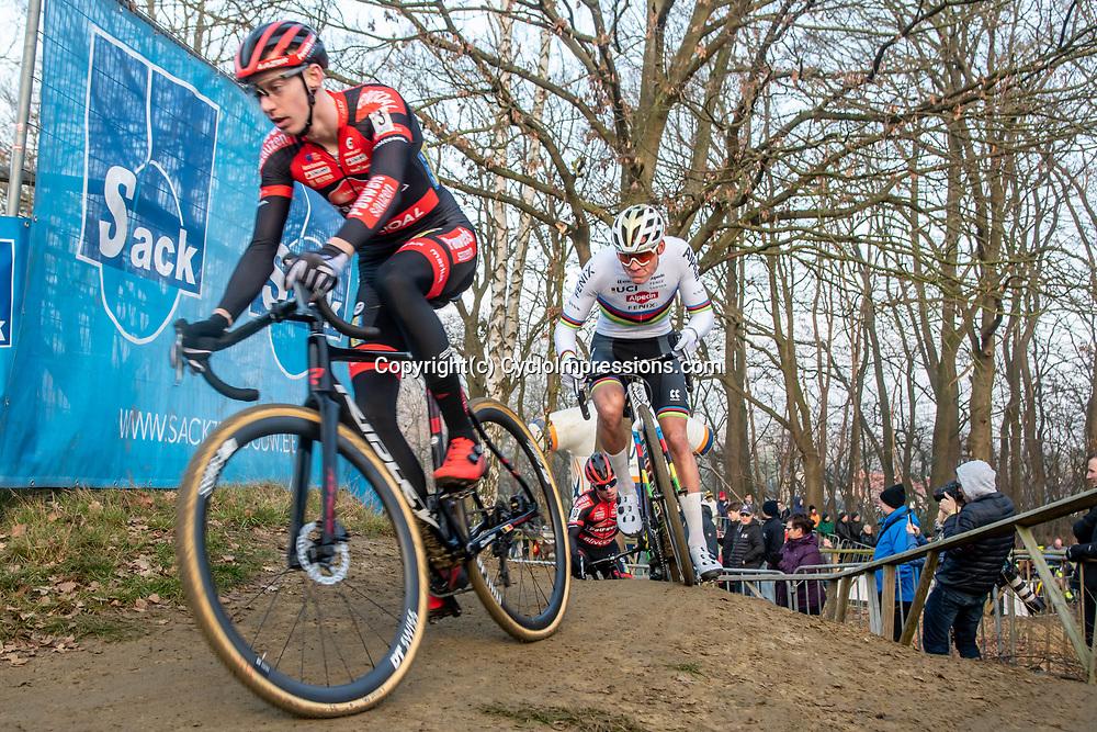 2020-01-01 Cycling: dvv verzekeringen trofee: Baal: Mathieu van der Poel chasing Michael Vanthourenhout