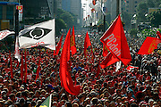 Sao Paulo_MG, Brasil...Comemoracao do dia do trabalhador na avenida Paulista, organizada pela CUT (Central Unica dos Trabalhadores)...The celebration of Labor Day on Paulista avenue, organized by the CUT (Central Unica dos Trabalhadores)...Foto: LEO DRUMOND / NITRO