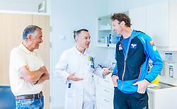 02.05.2016, Bezirkskrankenhaus, St. Johann i.T., AUT, OeSV, Skisprung, Sportmedizinische Untersuchung, im Bild v.l.: UNIV. DOZ. DR. Peter Baumgartl, Prim. Dr. Kaiser Norbert , Cheftrainer Heinz Kuttin (AUT) // f.l.: Prim. Dr. Kaiser Norbert, UNIV. DOZ. DR. Peter Baumgartl, Headcoach Heinz Kuttin of Austria during the medical examination of the Austrian Skijumping Team at the Sports Medicine Institute, St. Johann i.T. on 2016/05/02. EXPA Pictures © 2016, PhotoCredit: EXPA/ JFK