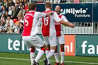 Fotball<br /> Nederland / Holland<br /> Foto: ProShots/Digitalsport<br /> NORWAY ONLY<br /> <br /> seizoen 2009 / 2010 , 30-08-2009 heracles almelo - ajax 0-3 ajax komt op 0-1 door een goal van  toby alderweireld . demy de zeeuw viert mee