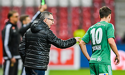 20.11.2016, Red Bull Arena, Salzburg, AUT, 1. FBL, FC Red Bull Salzburg vs SK Rapid Wien, 15. Runde, im Bild Trainer Damir Canadi (SK Rapid Wien), Louis Schaub (SK Rapid Wien) // Coach Damir Canadi (SK Rapid Wien) and Louis Schaub (SK Rapid Wien) during Austrian Football Bundesliga 15th round Match between FC Red Bull Salzburg and SK Rapid Vienna at the Red Bull Arena, Salzburg, Austria on 2016/11/20. EXPA Pictures © 2016, PhotoCredit: EXPA/ JFK