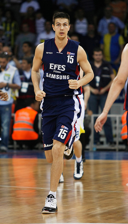 Efes Pilsen's Dusan CANTEKIN during their Turkish Basketball league Play Off Final Sixth Leg match Fenerbahce Ulker between Efes Pilsen at the Abdi Ipekci Arena in Istanbul Turkey on Wednesday 02 June 2010. Photo by Aykut AKICI/TURKPIX