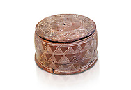 Minoan cylindrical pyxis with lid (jewel box) with incised decoration, Knossos 1900-1800 BC; Heraklion Archaeological  Museum, white background. .<br /> <br /> If you prefer to buy from our ALAMY PHOTO LIBRARY  Collection visit : https://www.alamy.com/portfolio/paul-williams-funkystock/minoan-art-artefacts.html . Type -   Heraklion   - into the LOWER SEARCH WITHIN GALLERY box. Refine search by adding background colour, place, museum etc<br /> <br /> Visit our MINOAN ART PHOTO COLLECTIONS for more photos to download  as wall art prints https://funkystock.photoshelter.com/gallery-collection/Ancient-Minoans-Art-Artefacts-Antiquities-Historic-Places-Pictures-Images-of/C0000ricT2SU_M9w