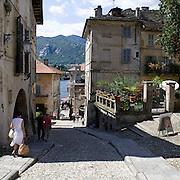 """Antiche abitazioni su via Albertoletti conosciuta coma la """"Salita della Motta""""<br /> a Orta<br /> <br /> Old houses in Albertoletti street known as """"La salita della Motta""""in Orta"""