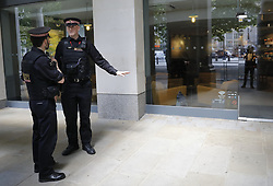 May 24, 2017 - London, London, UK - London, UK. Police evacuate Starbucks coffee shop near St Paul's Cathedral in London following the discovery of a suspicious package (PICTURED RIGHT). Queen Elizabeth II is currently at an official visit to St Paul's Cathedral for an Order of the British Empire service. (Credit Image: © Tolga Akmen/London News Pictures via ZUMA Wire)