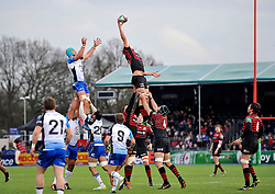 Alistair Hargreaves (Saracens) wins lineout ball - Photo mandatory by-line: Patrick Khachfe/JMP - Tel: Mobile: 07966 386802 18/01/2014 - SPORT - RUGBY UNION - Allianz Park, London - Saracens v Connacht Rugby - Heineken Cup.