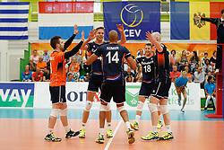 20170524 NED: 2018 FIVB Volleyball World Championship qualification, Koog aan de Zaan<br />Team Nederland viert een punt<br />©2017-FotoHoogendoorn.nl / Pim Waslander