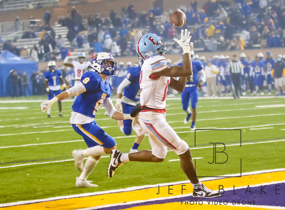 AC Flora Falcons wide receiver Eriq Rice (12) makes a touchdown reception during the first half the state championship game against the North Myrtle Beach Chiefs at Benedict College.