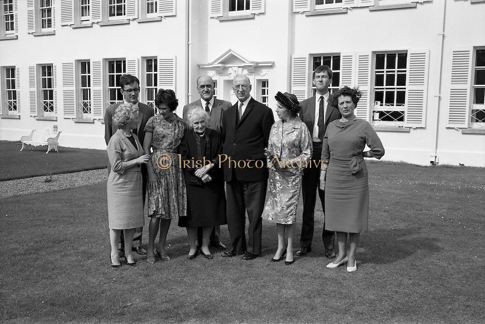 22/08/1963<br /> 08/22/1963<br /> 22 August 1963<br /> Mr Frank Aiken and family with President de Valera at Áras an Uachtaráin.