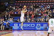 DESCRIZIONE : Milano Final Eight Coppa Italia 2014 Finale Montepaschi Siena - Dinamo Banco di Sardegna Sassari<br /> GIOCATORE : Jeff Viggiano<br /> CATEGORIA : Tiro Tre Punti<br /> SQUADRA : Montepaschi Siena<br /> EVENTO : Final Eight Coppa Italia 2014 Milano<br /> GARA : Montepaschi Siena - Dinamo Banco di Sardegna Sassari<br /> DATA : 09/02/2014<br /> SPORT : Pallacanestro <br /> AUTORE : Agenzia Ciamillo-Castoria / Luigi Canu<br /> Galleria : Final Eight Coppa Italia 2014 Milano<br /> Fotonotizia : Milano Final Eight Coppa Italia 2014 Finale Montepaschi Siena - Dinamo Banco di Sardegna Sassari<br /> Predefinita :