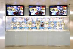 THEMENBILD, ESTADIO SANTIAGO BERNABEU, es ist das Fußballstadion des spanischen Vereins Real Madrid. Es liegt im Zentrum der Stadt Madrid im Viertel Chamartin. Seit der letzten Modernisierung im Jahr 2005 fasst es 80.354 Zuschauer und ist seit 14. November 2007 als UEFA-Elite-Stadion ausgezeichnet, der hoechsten Klassifikation des Europaeischen Fußballverbandes. Das Stadion wurde am 14. Dezember 1947 als Nuevo Estadio Chamartin mit 75.000 Plaetzen offiziell eroeffnet. Am 14. Januar 1955 stimmte die Mitgliederversammlung des Klubs für die Umbenennung des Stadions zu Ehren des damaligen Vereinspraesidenten Santiago Bernabeu, nach dessen Vision die Spielstaette gebaut wurde. Im Bild Vitrine mit den Europapokal der Landesmeister bzw. Champions League Pokalen, die Real neun Mal (6x bzw. 3x) gewinnen konnte, dies ist Rekord. Bild aufgenommen am 27.03.2012. EXPA Pictures © 2012, PhotoCredit: EXPA/ Eibner/ Michael Weber..***** ATTENTION - OUT OF GER *****