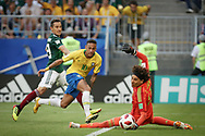 Neymar of Brazil and Guillermo Ochoa of Mexico during the 2018 FIFA World Cup Russia, round of 16 football match between Brazil and Mexico on July 2, 2018 at Samara Arena in Samara, Russia - Photo Thiago Bernardes / FramePhoto / ProSportsImages / DPPI