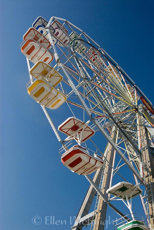 Ferris Wheel on the boardwalk in Ocean City, New Jersey (May 2007)
