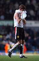 Ole Gunnar Solskjaer (Man United) walks off at the end of the match reflecting on his last minute miss that would have won the game. West Ham United v Manchester United, FA Premiership, 17/11/2002. Credit: Colorsport / Matthew Impey DIGITAL FILE ONLY