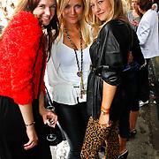 NLD/Amsterdam/20100822 - Grazia PC Catwalk 2010, Marly van der Velden, Gigi Ravelli en Carolien Spoor
