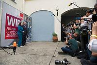 30 JUL 2013, BERLIN/GERMANY:<br /> Andrea Nahles (L), SPD Generalsekretaerin, Peer Steinbrueck (2.v.L.), SPD Kanzlerkandidat, Fotografen und Kameraleute, Praesentation der SPD Wahlplakate zur Bundestagswahl 2013, Ballhaus Rixdorf Studios<br /> IMAGE: 20130730-01-003<br /> KEYWORDS: Peer Steinbrück, Wahlkampagne, Werbung, Präsentation, Grossflaechenplakate, Grossflächenplakate, Kampagne, Wir