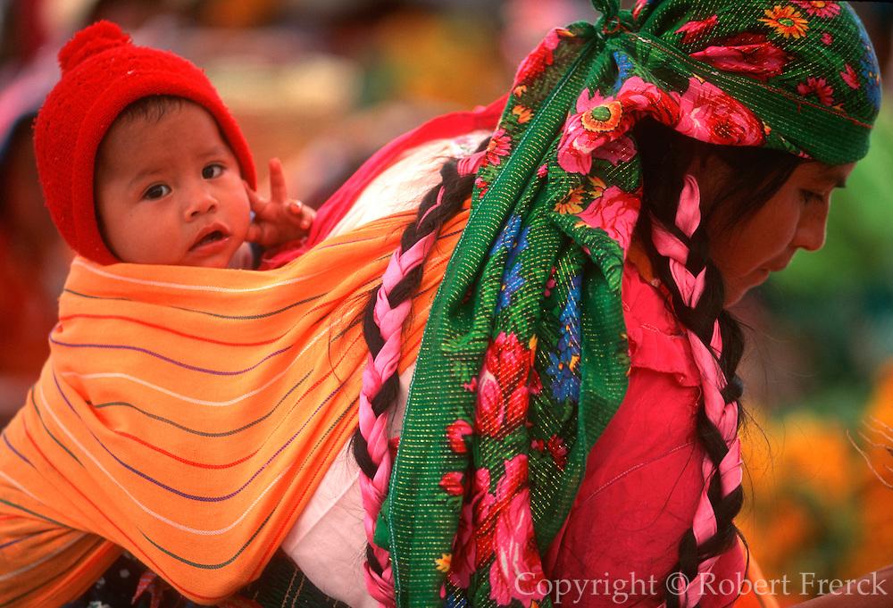 MEXICO, MARKETS, OAXACA Tlacolula, market with Zapotec Indians