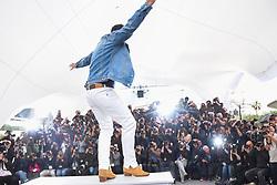 May 18, 2019 - Cannes, France - 72eme Festival International du Film de Cannes. Photocall du film ''Douleur et Gloire''. 72th International Cannes Film Festival. Photocall of ''Dolor y gloria'' movie....239404 2019-05-18  Cannes France.. Banderas, Antonio (Credit Image: © Serge Arnal/Starface via ZUMA Press)