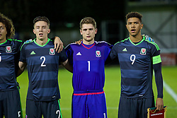 BANGOR, WALES - Saturday, November 12, 2016: Wales' Cameron Coxe, goalkeeper Fergal Hale-Brown and captain Tyler Roberts line-up before the UEFA European Under-19 Championship Qualifying Round Group 6 match against England at the Nantporth Stadium. (Pic by Gavin Trafford/Propaganda)