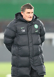 VIENNA, AUSTRIA - Wednesday, December 16, 2009: Glasgow Celtic's manager Tony Mowbray during his side's training session ahead of the UEFA Europa League Group C match against SK Rapid Vienna at the Ernst Happel Stadion. (Pic by Thomas Haumer/Expa/Propaganda)
