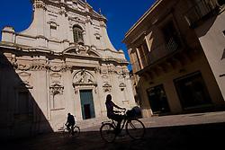 Lecce, il corso e la chieda dei Teatini