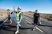 Calvin Moes kwalificeert zich met de Bluenose. In Battle Mountain (Nevada) wordt ieder jaar de World Human Powered Speed Challenge gehouden. Tijdens deze wedstrijd wordt geprobeerd zo hard mogelijk te fietsen op pure menskracht. Ze halen snelheden tot 133 km/h. De deelnemers bestaan zowel uit teams van universiteiten als uit hobbyisten. Met de gestroomlijnde fietsen willen ze laten zien wat mogelijk is met menskracht. De speciale ligfietsen kunnen gezien worden als de Formule 1 van het fietsen. De kennis die wordt opgedaan wordt ook gebruikt om duurzaam vervoer verder te ontwikkelen.<br /> <br /> At the show and shine on Tuesday everyone can see the bikes and school kids come and visit. In Battle Mountain (Nevada) each year the World Human Powered Speed Challenge is held. During this race they try to ride on pure manpower as hard as possible. Speeds up to 133 km/h are reached. The participants consist of both teams from universities and from hobbyists. With the sleek bikes they want to show what is possible with human power. The special recumbent bicycles can be seen as the Formula 1 of the bicycle. The knowledge gained is also used to develop sustainable transport.