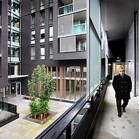 Nederland, Amsterdam , 14 december 2012..Theo Capel bewoont  een appartement in de z.g. Miles Building..Foto:Jean-Pierre Jans