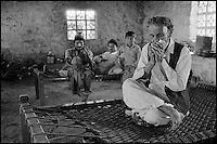 Pakistan, Sind, Maison de thé. // Pakistan. Sind. Tea house.
